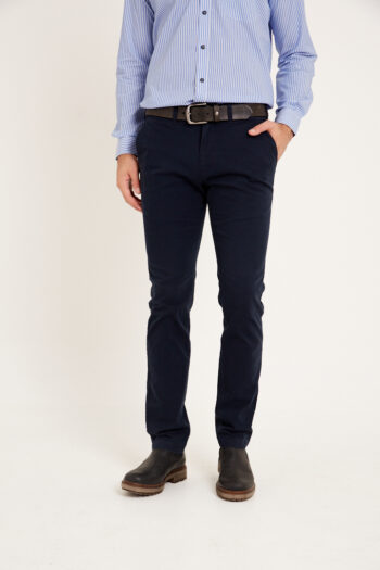 Chino básico regular fit de gabardina