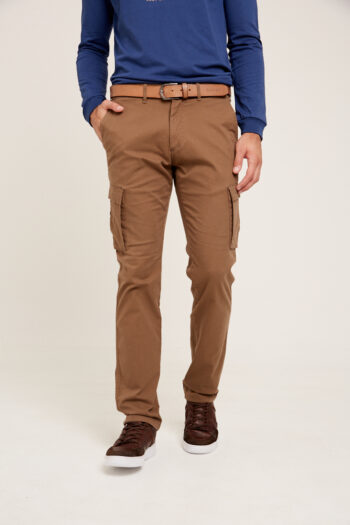 Pantalón cargo slim fit de gabardina