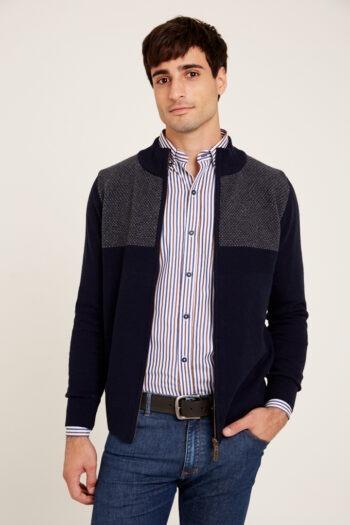 Campera tejida a dos colores de lana acrilica