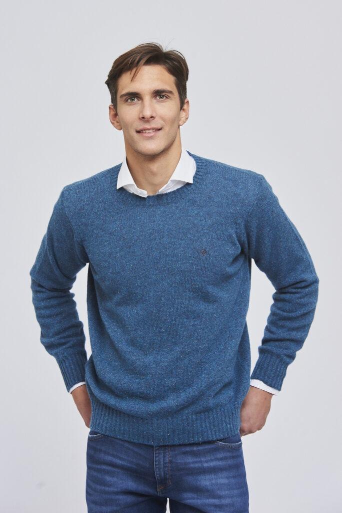 Sweater escote redondo básico