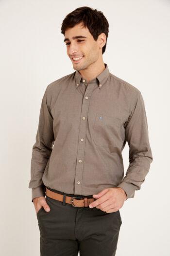 Camisa regular fit mangas largas lisa de algodón fil a fil
