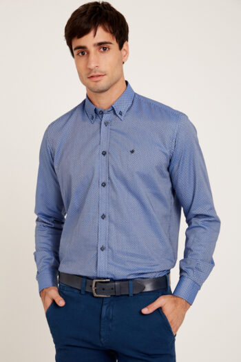 Camisa regular fit mangas largas estampada sin bolsillo de algodón
