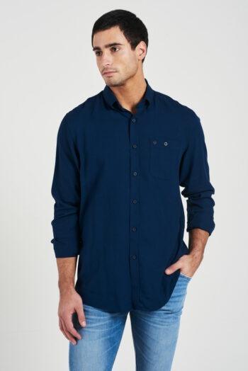 Camisa relaxed fit mangas largas con bolsillo de lino