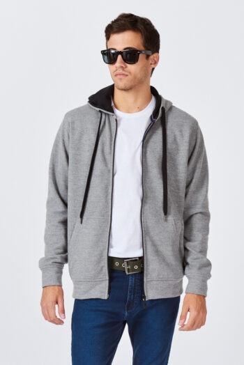 Campera con capucha y bolsillo canguro de frisa