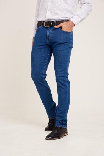 Jean regular fit de indigo azul gastado